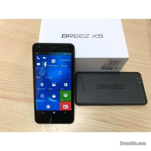 Pictures of BREEZ X5 Smartphone Window 10 Dual Simcard