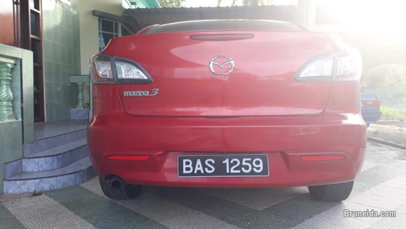 URGENT MAZDA3 TO LET GO, $0 CASH DEPOSIT, CONTINUE AT-TAMWIL in Brunei Muara