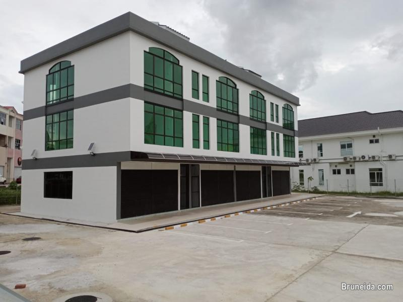 Picture of 3 storey shophouse for Rent