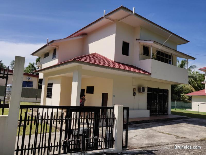 Picture of Quality used 2 storey detached house for Sale in Muara district