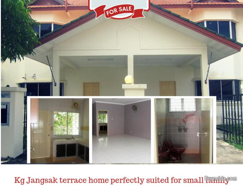 Picture of Terrace Houses w/ rental income