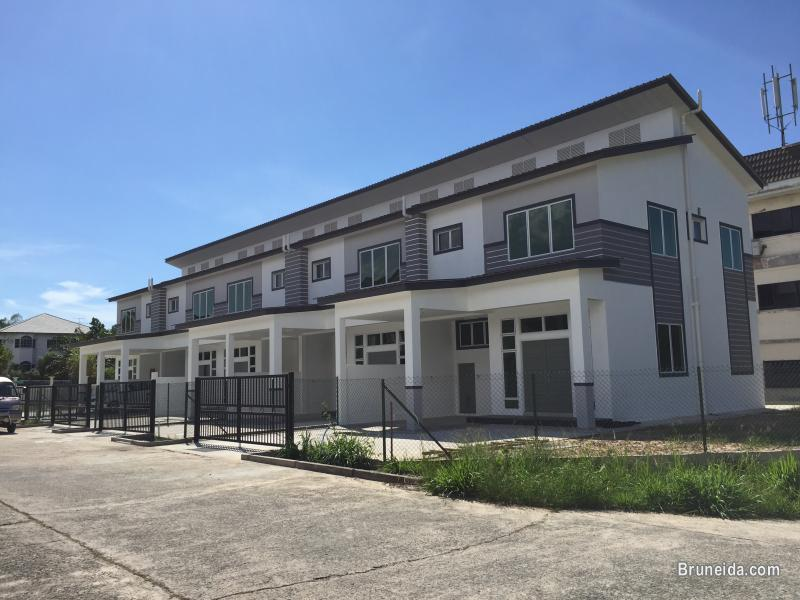 Newly built 5 units of terrace house for rent brunei for Terrace house 1