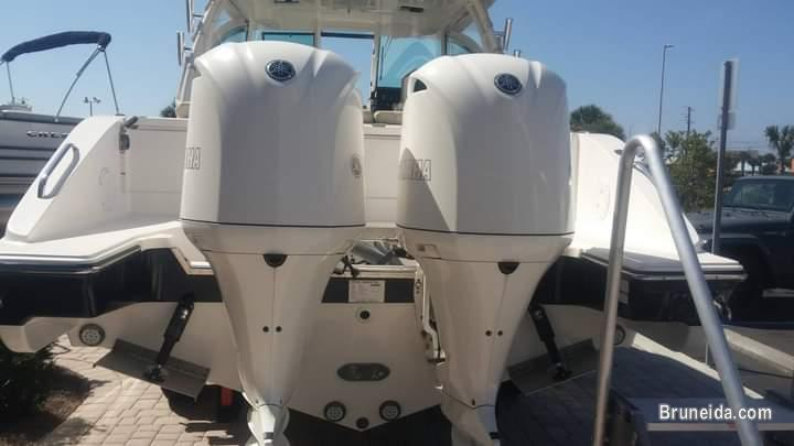 2017 Pursuit 295 DC Fishing and Family Fun size Boat