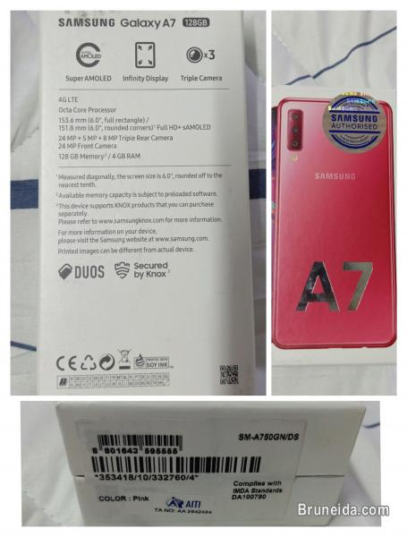 Picture of NEW Samsung A7, not used.