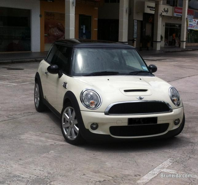 Picture of Mini Cooper S in excellent condition