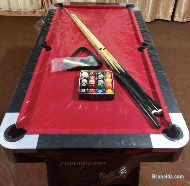 Picture of 5ft pool table