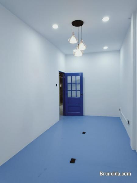 Picture of Co. Circle Tungku Link - Office Suite 5 $300 PER MONTH