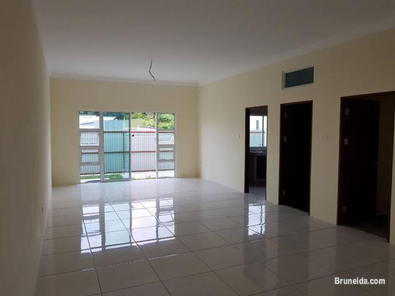 Intermediate Terrace House for Sell