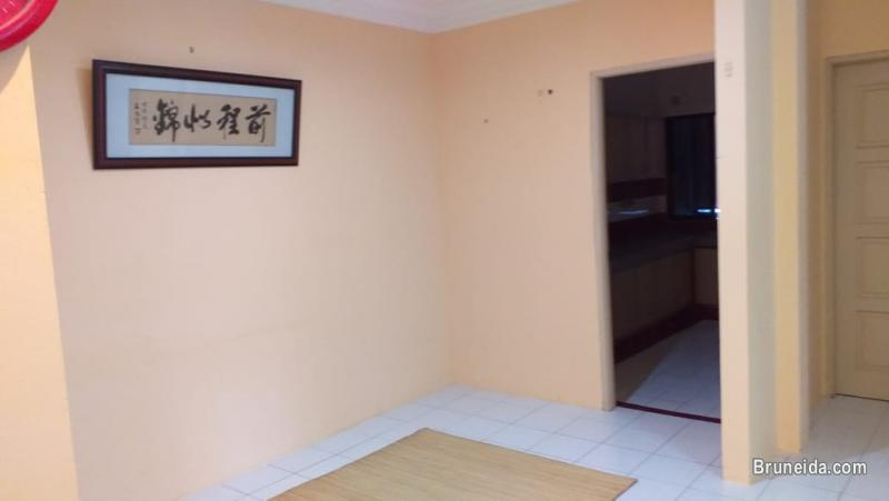 Pictures of Apartment with Room For Rent