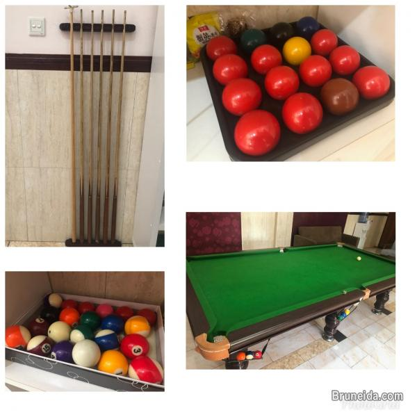 Pictures of Pool set table for sale