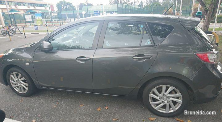 Pictures of Mazda 3 2012