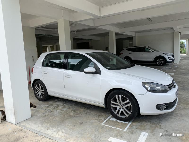 Volkswagen Golf 1. 6 CC (white) in Brunei Muara