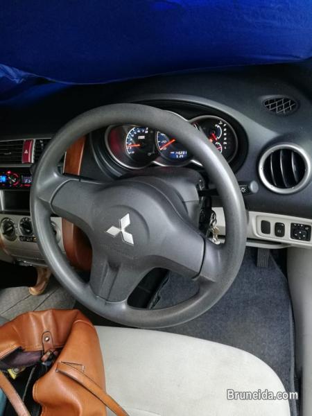 Mitsubishi Colt - Auto Model''2005 -$4500(ono) - image 4