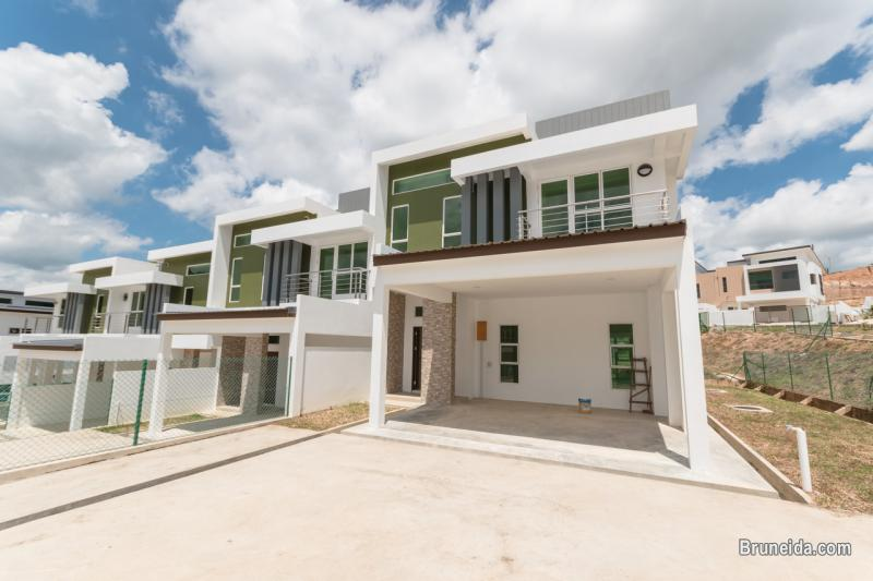 Pictures of DADAP GARDEN - TERRACE HOUSE FOR SALE