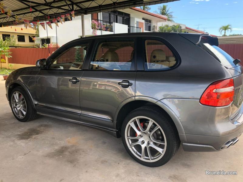 Porsche cayenne GTS v8 in Brunei Muara