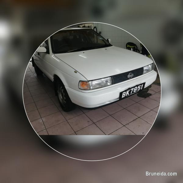 Picture of Nissan sunny auto 1990