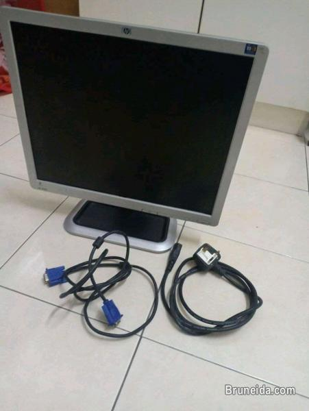 18 inch monitor for sale very good condition - image 2