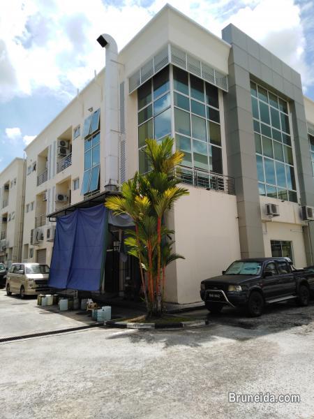 KENNY - $1. 5K 1st Floor Kiulap in Brunei Muara