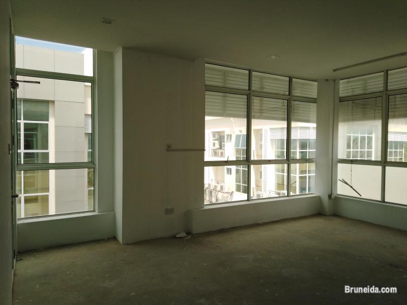 KENNY - $1. 5K 1st Floor Kiulap in Brunei - image