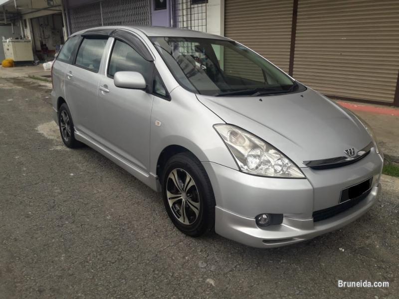Toyota Wish 1. 8 - image 2