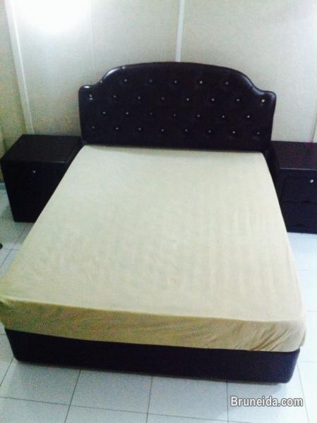 Picture of Queen set bed + 2 table lamp beds for sale.