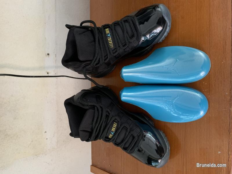 Jordan 11 gamma blue 2013 - 8. 5 US 42 EUR in Brunei