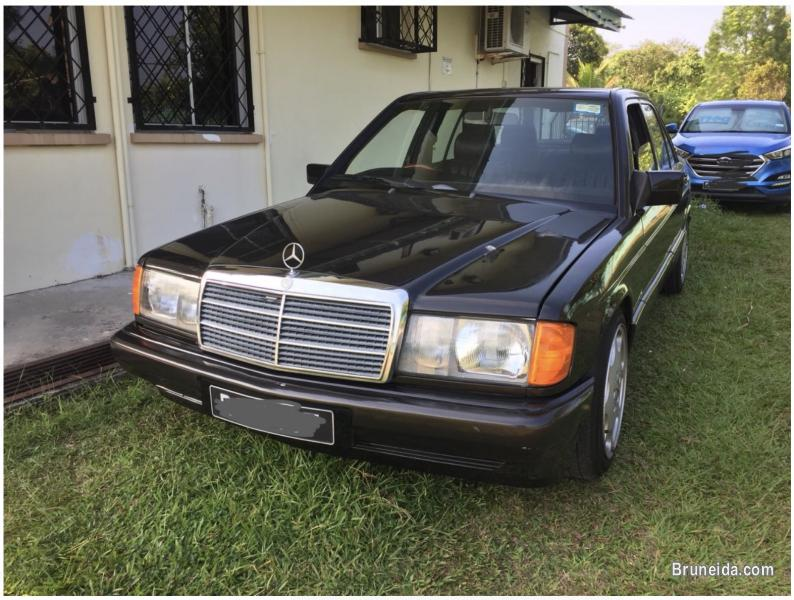 Pictures of Merc 190E for sale 5k