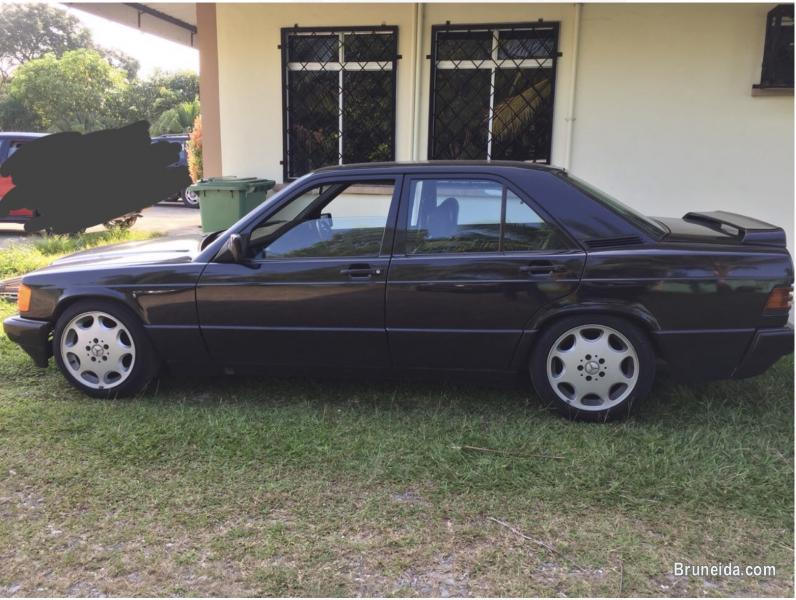Merc 190E for sale 5k in Brunei Muara