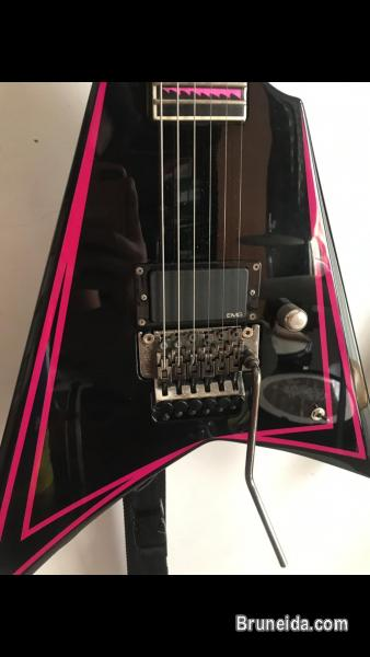 Signature Guitar of Children of Bodom`s Alexi