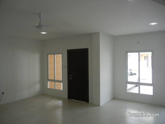 Picture of 2 Storey Terrace House For Rent in Brunei Muara