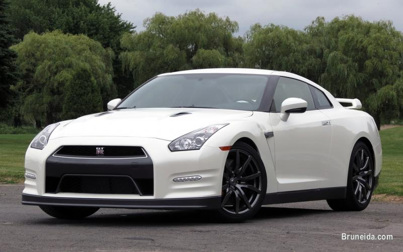 Picture of 2013 Nissan R35 GTR Pearl White