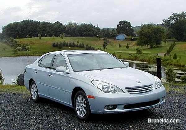 Pictures of 2004 Lexus ES300 Metallic Silver