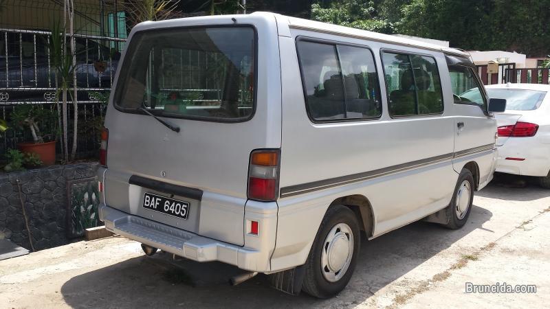 2001 Mitsubishi Starwagon Satellite Auto