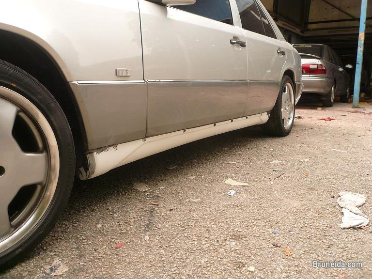 Mercedes Benz E Class W124 Wald Executive Bodykit in Belait - image