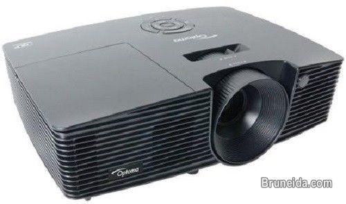 Pictures of OPTOMA PROJECTOR FOR SALE (CHEAP AND CONDITION IS ALMOST NEW)