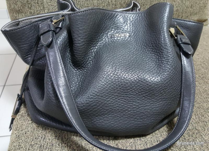 ecbc9b6a38c72 Used Handbags for Sale - image 1