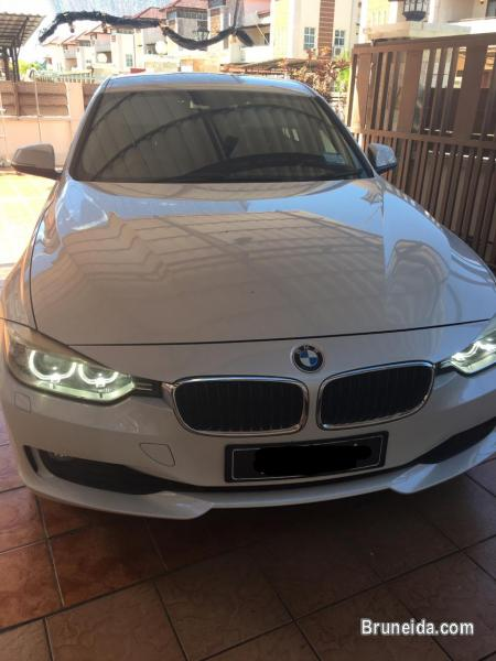 Pictures of BMW 320i 2. 0cc Auto