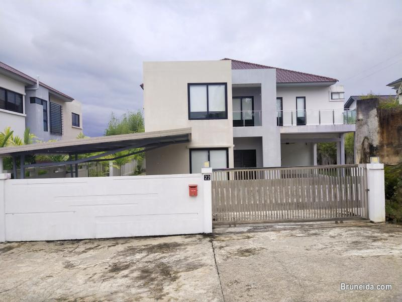 Pictures of Tungku Link - TRAVIS HOME $2. 3K (SOLD)