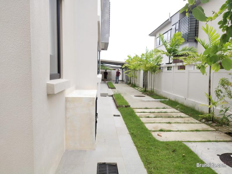 Tungku Link - TRAVIS HOME $2. 3K (SOLD)