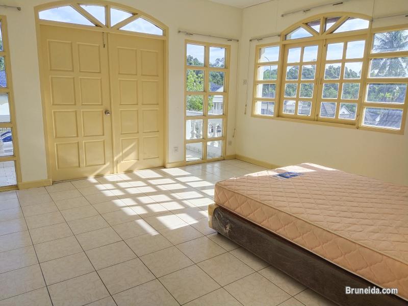 Telanai - TAYLOR HOME FOR RENT $1. 5K in Brunei Muara