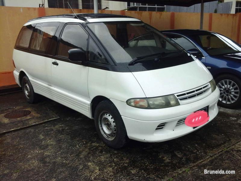 Pictures of 1995 Toyota Estima Lucida