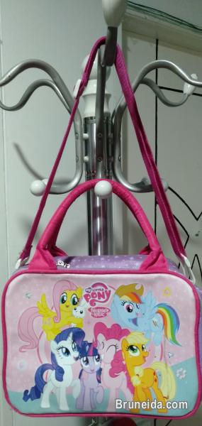 Picture of School bags for kids