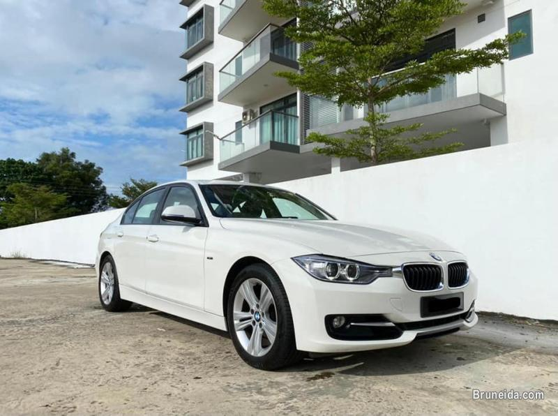 Picture of BMW 320i Sport Package