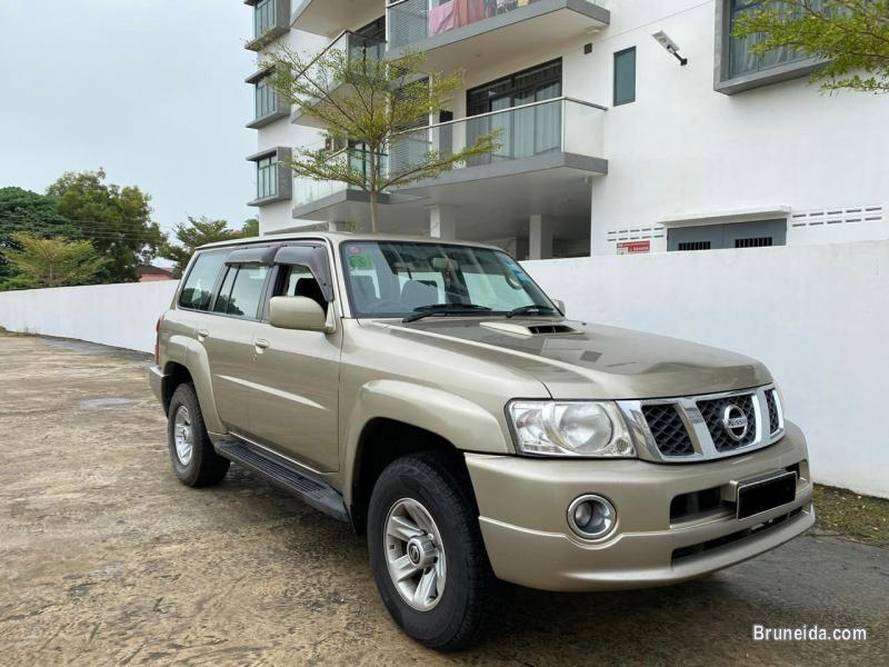 Picture of Nissan Patrol GRX turbo 3. 0cc 4WD