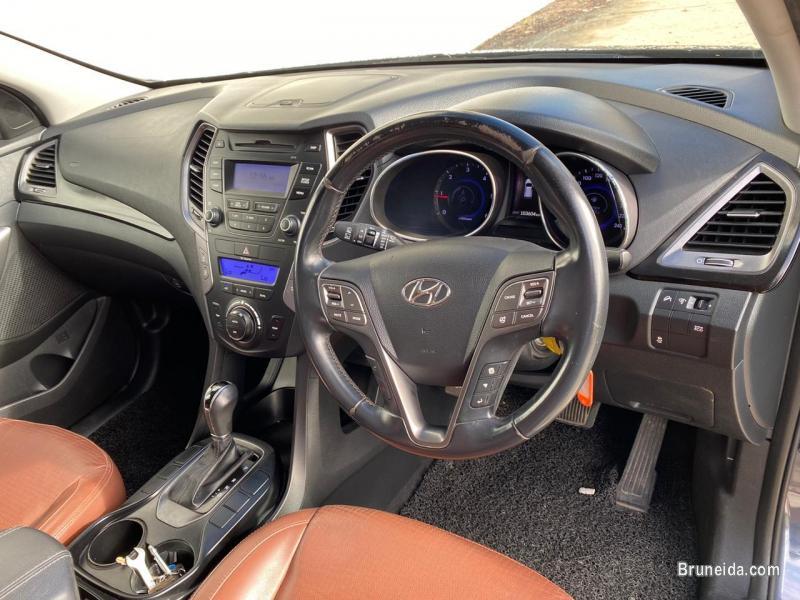Hyundai Santafe 4WD in Belait
