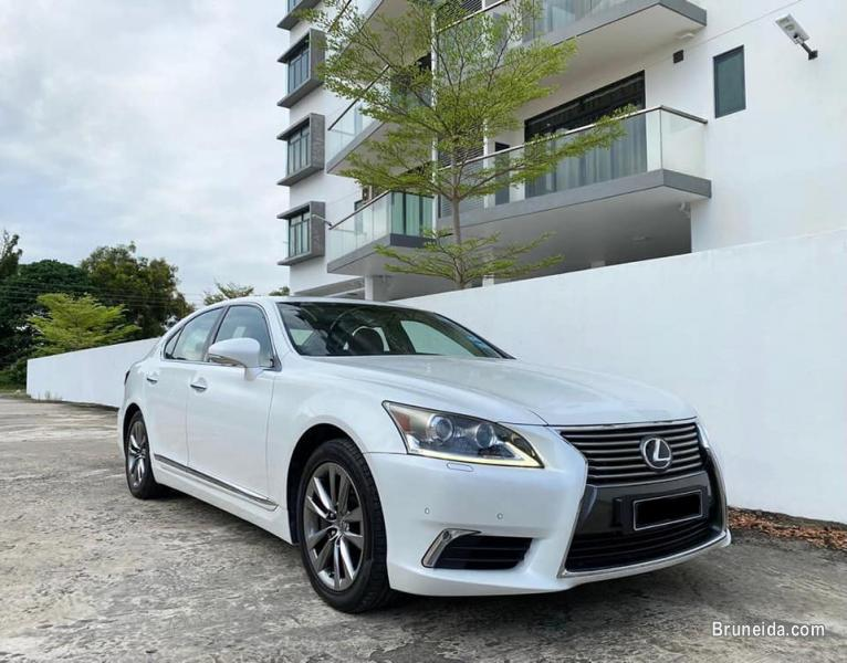 Picture of Lexus LS460