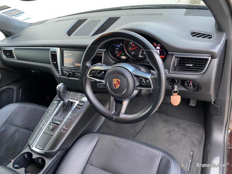 Porsche Macan 2. 0 in Belait