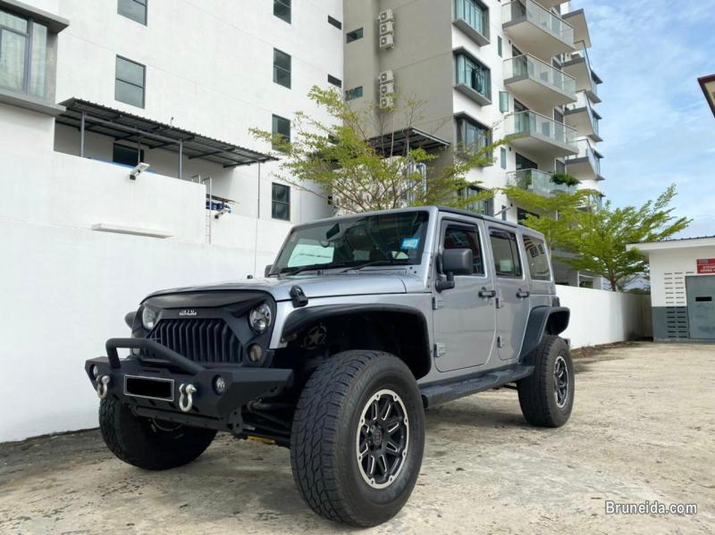 Pictures of Jeep Wrangler Sahara Unlimited 3. 6 V6 4WD