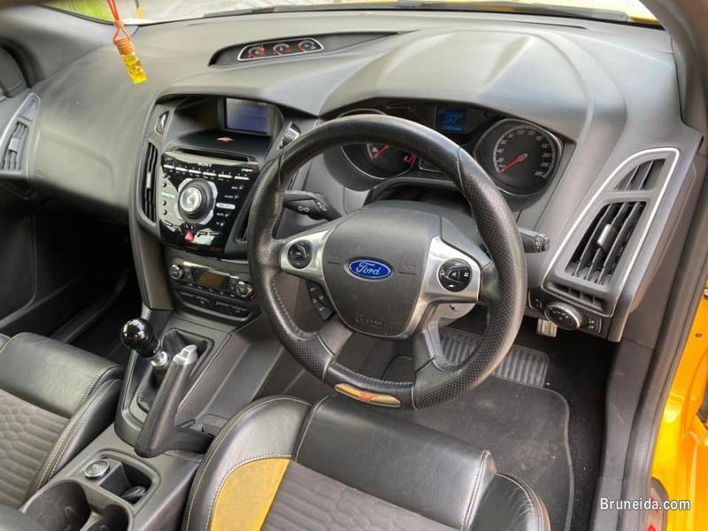 Ford Focus ST 2. 0 Ecoboost - image 3