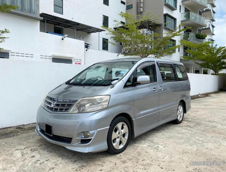 Pictures of Toyota Alphard 2. 4 8-seater